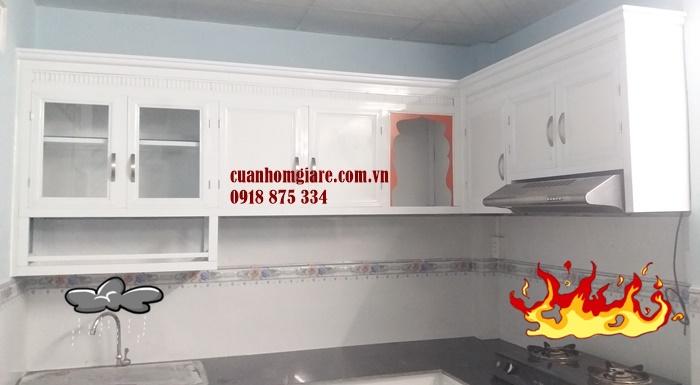 tủ kệ bếp nhôm sơn tĩnh điện